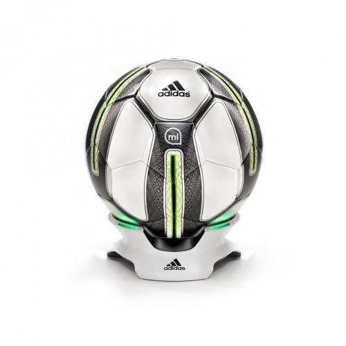 Adidas miCoach SmartBall. Умный мяч со встроенным датчиком