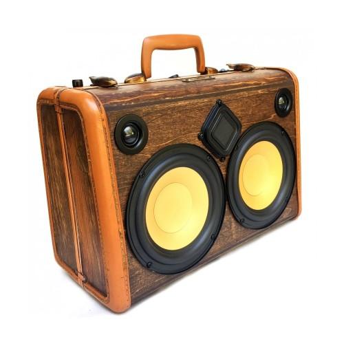 Портативный динамик-чемодан. BoomCase Classic Woodgrain