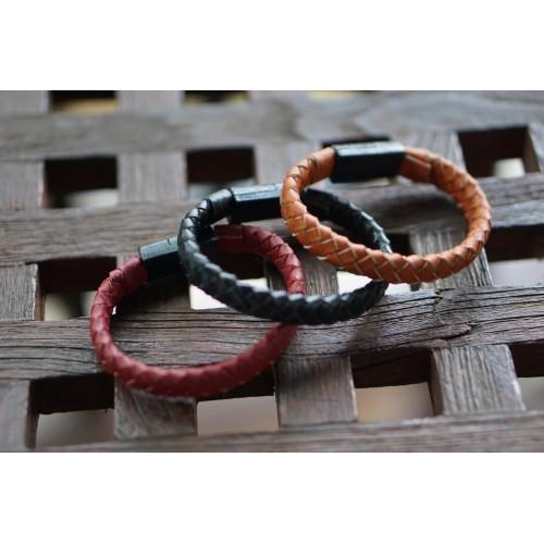 NIFTYX — кожаный браслет со встроенным кабелем